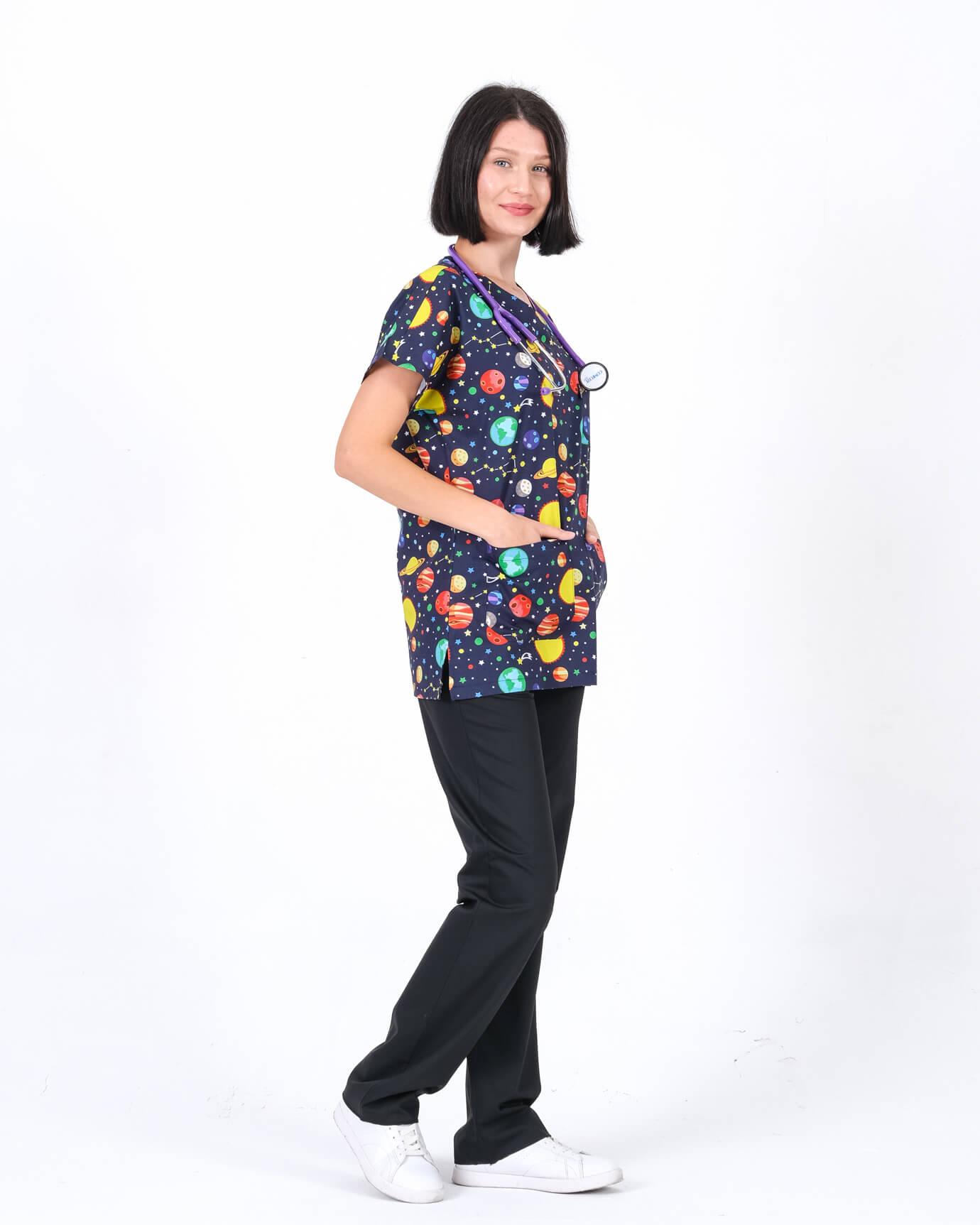 Likralı Uzay Desenli Forma Üstü ve Lacivert Pantolon Takım