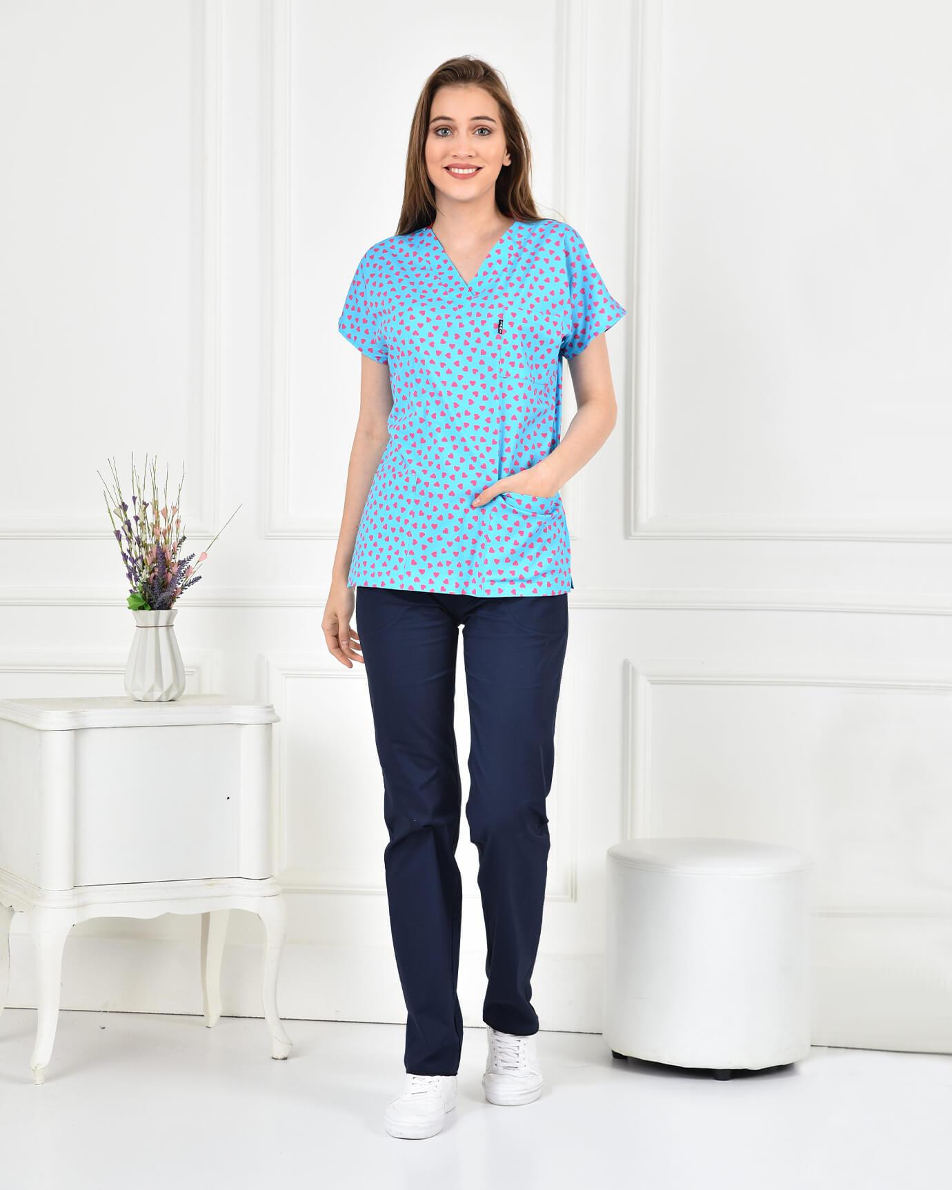 Likralı Kalp Desenli Forma Üstü ve Lacivert Pantolon Takım