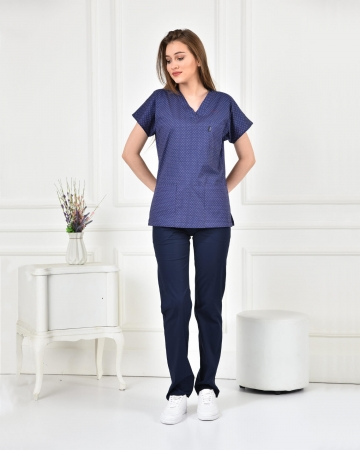 Kadın Likralı Nokta Desenli Forma Üstü ve Lacivert Pantolon Takım