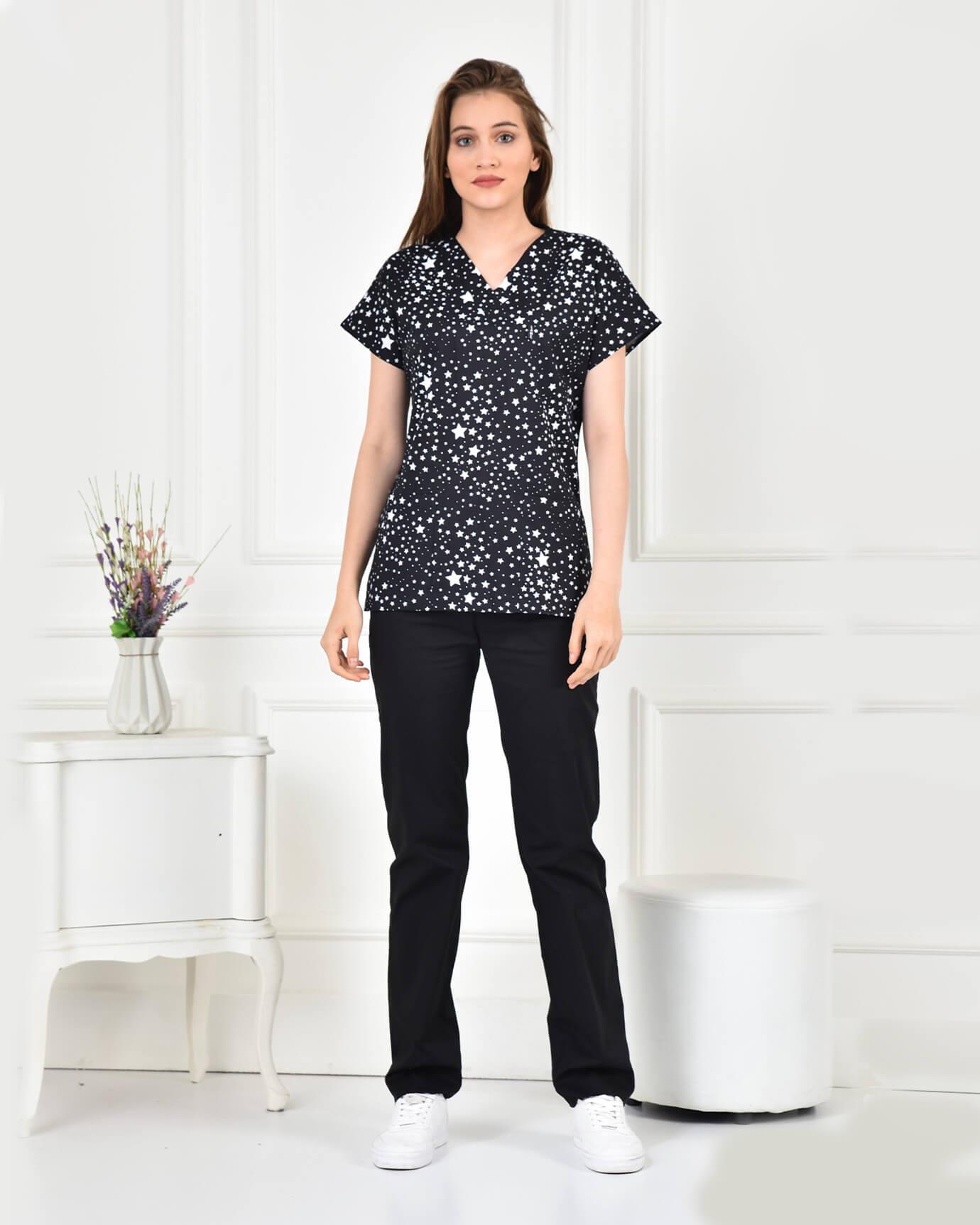 Likralı Yıldız Desenli Forma Üstü ve Siyah Pantolon Takım